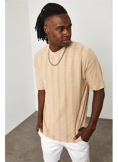 XHAN Çizgi Detaylı İnce Örme T-Shirt 1YXE1-45087-25 Bej